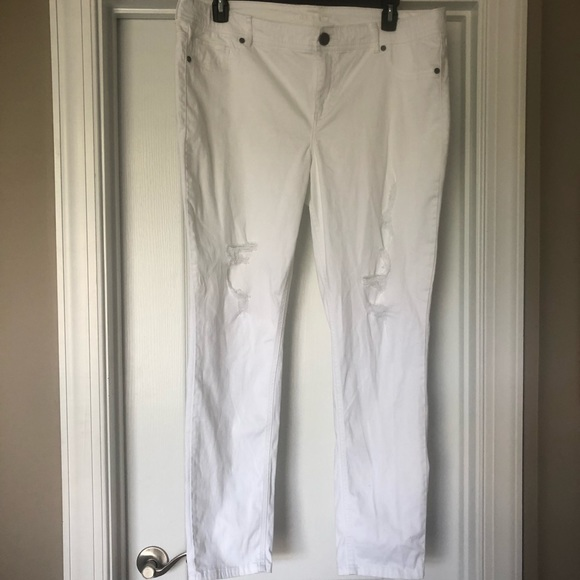 Maurices Pants - Maurices White Ripped Pants